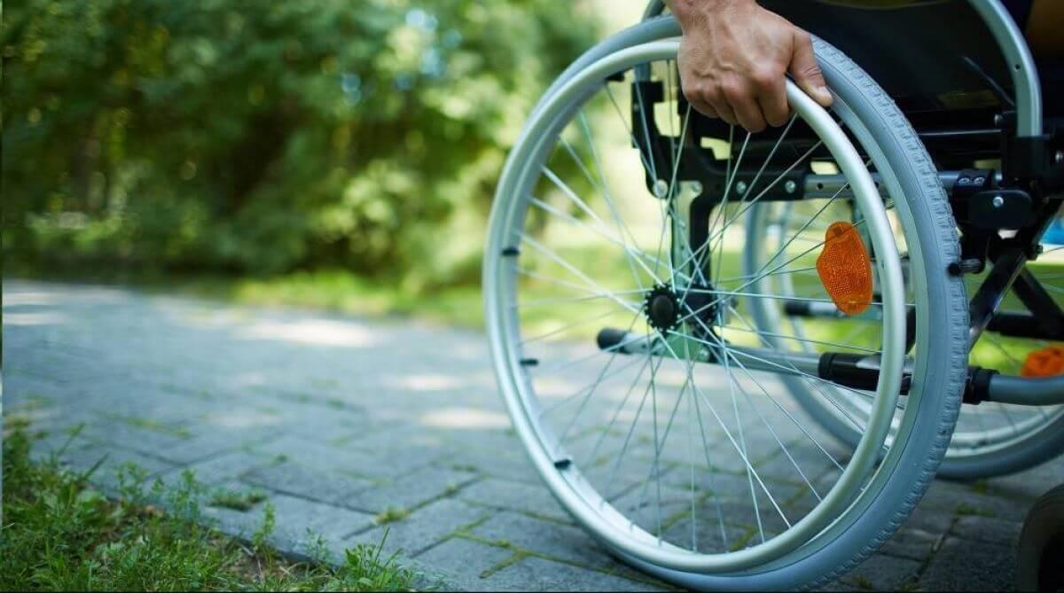 Експеримент на інвалідному візку: чи готова столиця прийняти гостей з обмеженими можливостями (ВІДЕО)