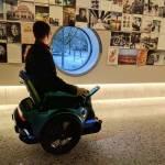 Світлина. В Швейцарии разрабатывают инвалидную коляску способную ездить по лестницам. Технології, инвалидная коляска, лестница, Scewo, Швейцария, прототип