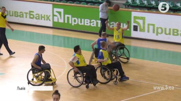 """""""Ми просто люди з іншими можливостями"""": у Львові вперше пройшли змагання візочників-баскетболістів. львів, візочник-баскетболіст, змагання, турнір union basket, інвалід"""