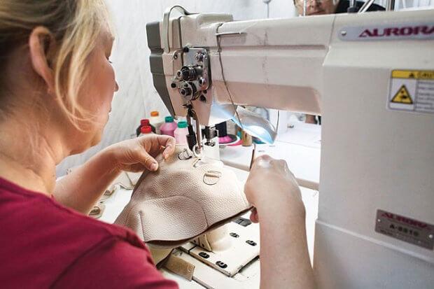У Чернівцях протези для інвалідів виготовляють безкоштовно. чернівці, протез, протезно-ортопедичний цех, інвалід, інвалідність