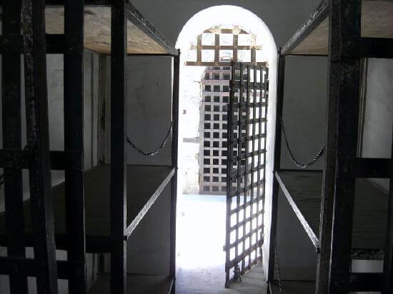 Прокуратура Чернівецької області довела, що лікар, який вимагав хабар, має понести реальну міру покарання