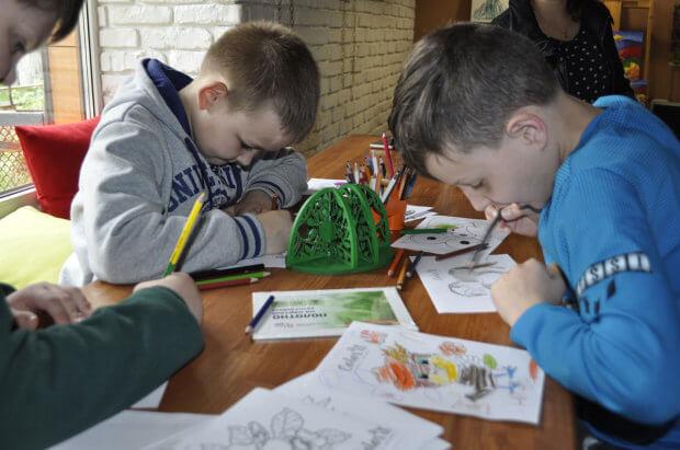 Для батьків дітей із синдромом Дауна у Кременчуці хочуть зняти фільм. кременчук, особлива дитина, аутизм, виставка малюнків, синдром дауна