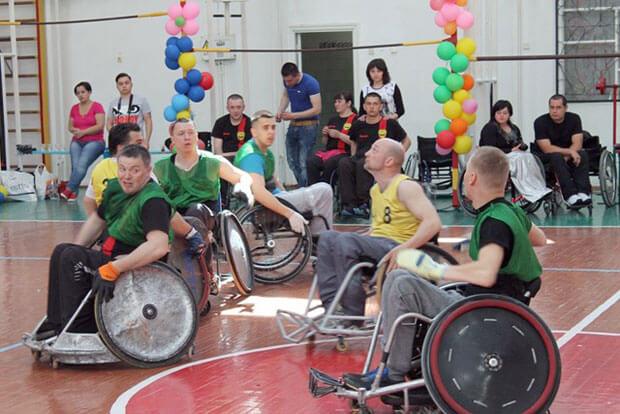 В Виннице инвалиды на колясках играли в регби (ФОТО)