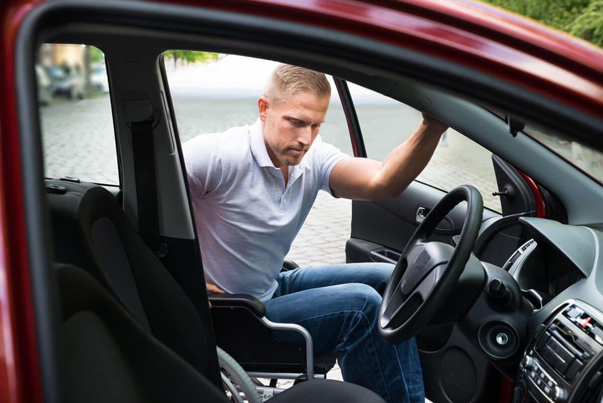 Вінничан з інвалідністю безкоштовно навчать водінню авто
