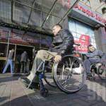ВР внесла зміни в закон про забезпечення інвалідів безоплатним транспортним супроводом