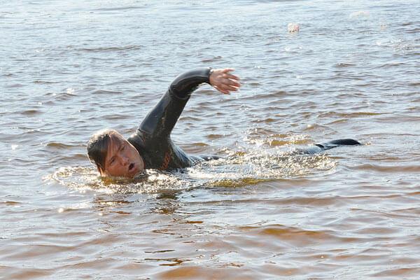 """Олег Иваненко: """"Врачу пришлось практически отрезать мне голову, чтобы поставить вместо пятого позвонка трансплантат"""". ironman, олег іваненко, инвалидность, рекорд, тріатлон"""