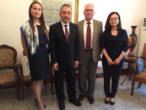 Зустріч Посла України у КНР з очільником Асоціації інвалідів Китаю. йоу лян, китай, зустріч, співпраця, інвалід