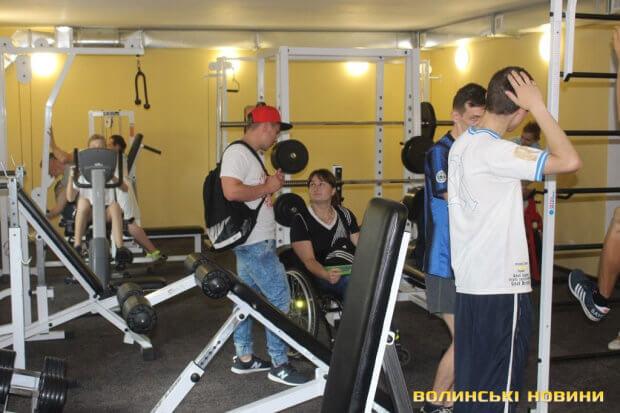 У Луцьку для людей з інвалідністю відкрили новий тренажерний зал. луцьк, особливими потребами, тренажерний зал, інвалід, інвалідність