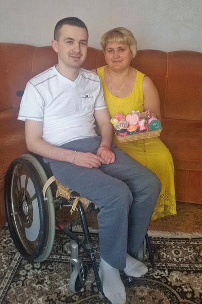 26-летний парализованный житель Луцка сумел стать… успешным мыловаром. андрей вронский, инвалидность, мыло, мыловар, травма