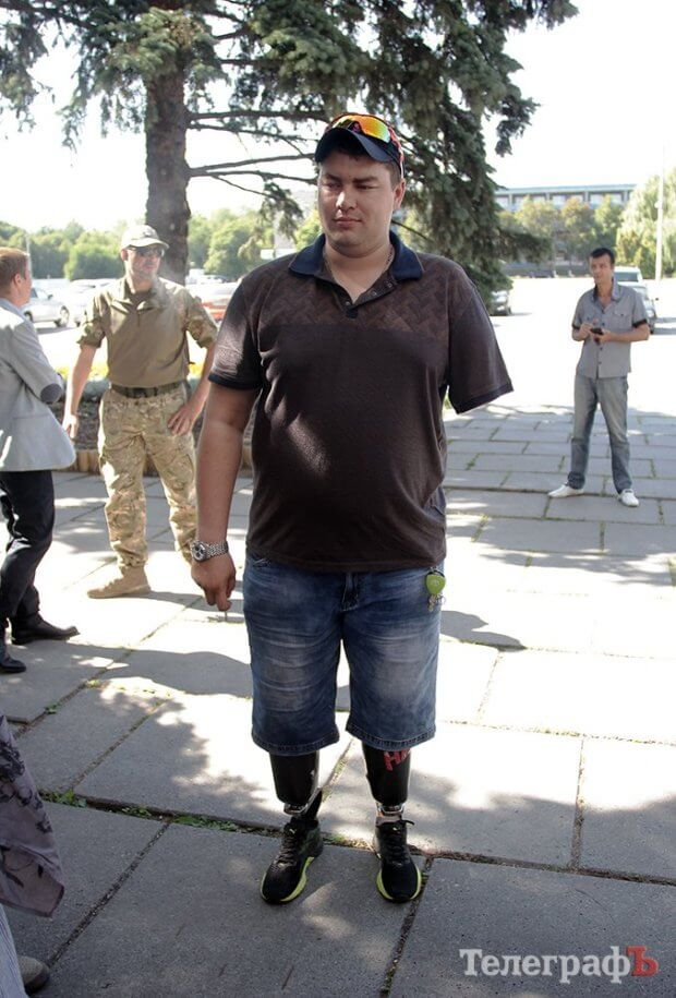 Сила духа: ветеран АТО, потерявший две ноги и руку, водит машину и организовывает спортивные турниры. вадим довгорук, ветеран ато, инвалид, протез, тяжелое увечье