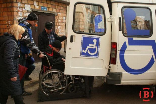 На Полтавщині запрацює «соціальне таксі». полтавщина, обмеженими фізичними можливостями, пенсіонер, соціальне таксі, інвалідність