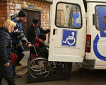 На Полтавщині запрацює «соціальне таксі». полтавщина, обмеженими фізичними можливостями, пенсіонер, соціальне таксі, інвалідність, outdoor, land vehicle, person, vehicle, transport, wheel, van. A person standing next to a truck