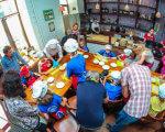 "Прес-реліз: Соціалізація дітей з аутизмом за допомогою ""фуд-терапії"". київ, аутизм, проект handmade charity, проект kids autism games, розлади аутичного спектру, person, clothing, people, group, several, crowd. A group of people sitting at a table"
