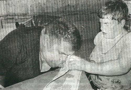 Оксана Горницька вишиває… зубами і язиком. оксана горницька, артрогрипоз, вишивання, інвалідний візок, інтернат