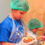 Світлина. Прес-реліз: Як особливі діти бургери готували. Новини, Київ, аутизм, проект Kids Autism Games, кулінарія, проект HandmadeCharity