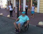 Доступность Приморского района глазами особенных одесситов (ВИДЕО). одесса, доступность, инвалидность, ограниченными возможностями, пандус, ground, outdoor, person, footwear, wheelchair, clothing