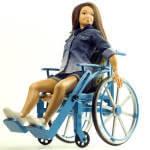 У США дизайнер створив ляльку на інвалідному візку
