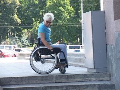 Учреждения культуры проверят эксперты по доступности – хотят понять могут ли колясочники попасть, например, в музеи (ВИДЕО)