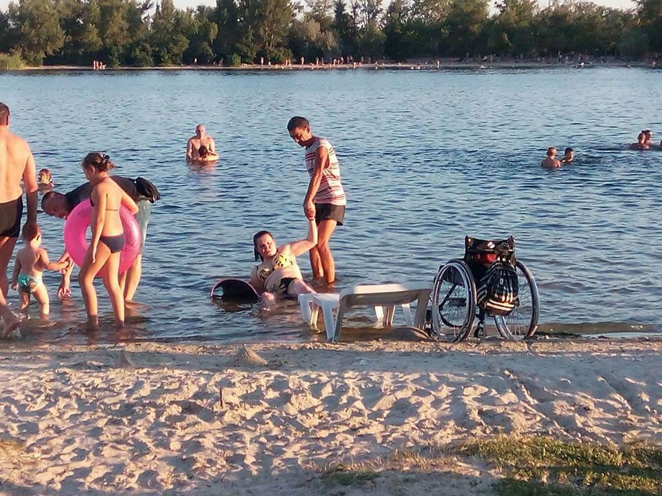 Херсонка, передвигающаяся на инвалидной коляске, рассказала, как она посетила Гидропарк (ФОТО)