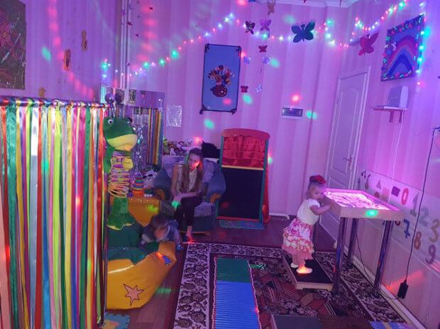 У Центрі соціальної реабілітації дітей-інвалідів м.Ковеля працює унікальна сенсорна кімната. ковель, дитина-інвалід, покращення здоров'я, порушення розвитку, сенсорна кімната