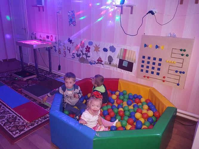 У Центрі соціальної реабілітації дітей-інвалідів м.Ковеля працює унікальна сенсорна кімната