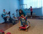 Южноукраинский центр реабилитации приглашает детей-инвалидов и группу риска для оздоровления. южноукраинск, инвалид, инвалидность, оздоровление, особенными потребностями, floor, indoor, toddler, playground, room, living, person, boy, baby, bedroom. A group of people in a room