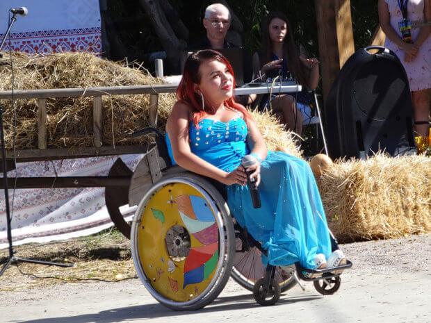 В Запорожье прошел первый фестиваль творчества для особенных людей. запорожье, инвалидность, ограниченными возможностями, особыми потребностями, фестиваль