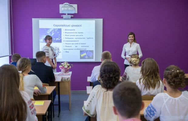 Марина Порошенко відкрила першу Ресурсну кімнату в інклюзивній школі Дніпропетровської області МАРИНА ПОРОШЕНКО МЕДІАТЕКА ПЕТРИКІВКА РЕСУРСНА КІМНАТА ІНКЛЮЗИВНА ШКОЛА