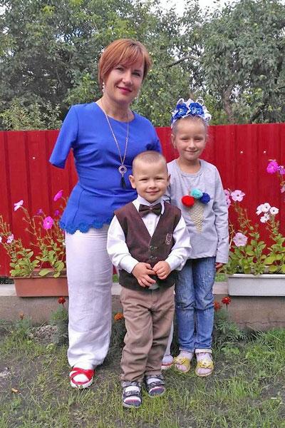 """Вера Фещук: """"Дочь часто спрашивает: """"Мама, а почему у тебя нет ручек?"""" и тут же, крепко обняв меня, говорит: """"Ты самая лучшая!"""""""