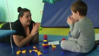 Во Львове расскажут, как установить контакт и коммуникацию в терапии ребенка с аутизмом