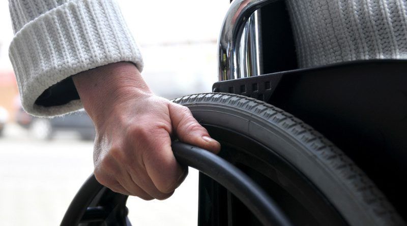 В Северодонецке обсудили доступность города для людей с ограниченными возможностями. северодонецк, доступность, инвалид, ограниченными возможностями, социальное такси, person, car, tire, auto part, wheel, outdoor, synthetic rubber, close. A close up of a person driving a car