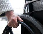Харківські аптеки недоступні для людей з інвалідністю. харків, аптека, доступність, інвалідний візок, інвалідність, person, car, outdoor, tire, auto part, camera, synthetic rubber, wheel, close. A close up of a person driving a car