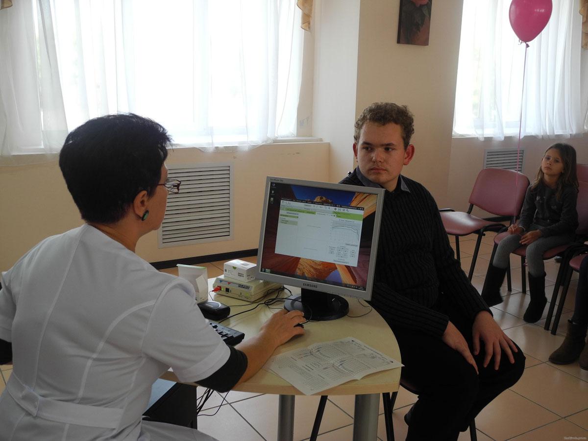 Понад 40 дітей Харківської області отримали слухові апарати