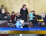 У Полтаві відновив роботу спортивний клуб «Візок» (ВІДЕО). полтава, особливими потребами, ремонт, спортивний клуб візок, інвалідність, person, clothing, smile, human face, woman, man. A group of people sitting in chairs
