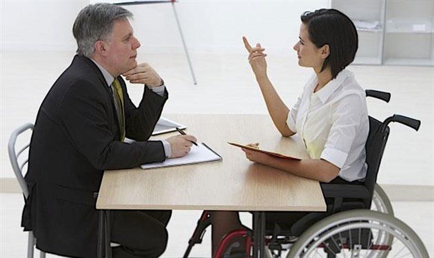Придніпровська залізниця створює умови для працевлаштування інвалідів. придніпровська залізниця, вакансія, обмеженими фізичними можливостями, працевлаштування, інвалід, person, clothing, suit, man, computer, table. A group of people sitting at a table