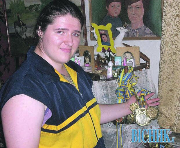 Найсильніша жінка України не чує і погано бачить. виктория степанюк, армреслінг, гирьовий спорт, спортсмен, фізична вада