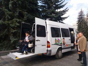 Тернополянин безкоштовно перевозить людей з особливими потребами. тернопіль, особливими потребами, спецавтобус, транспортування, інвалідність