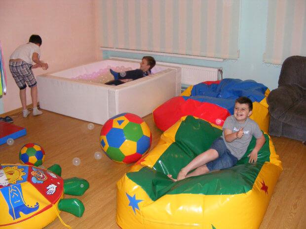 Сенсорна кімната в «Добродії Калуській» допомагає процесу реабілітації. дцп, калуш, аутизм, заняття, сенсорна кімната