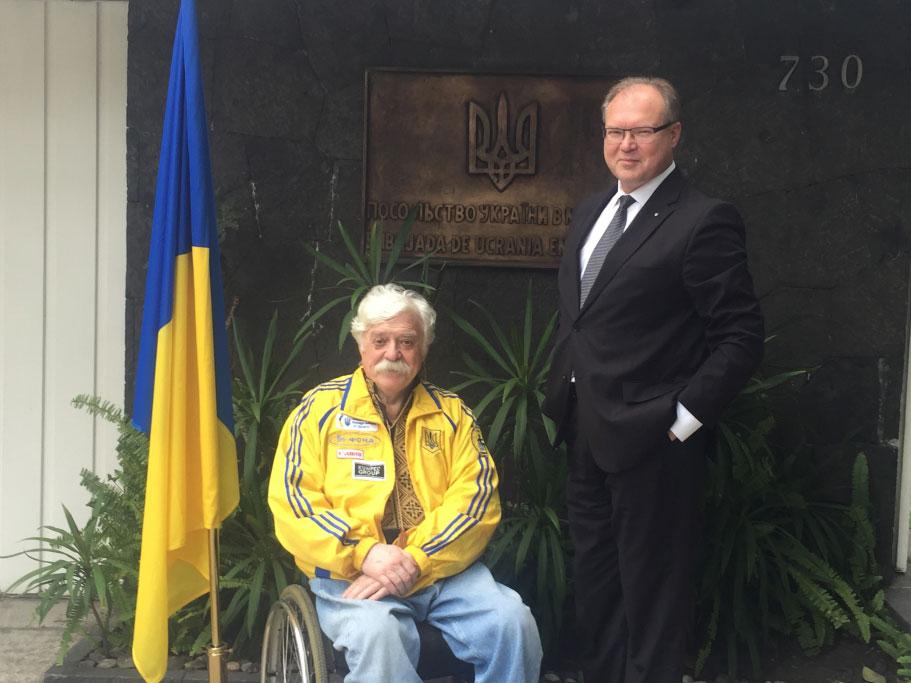 Посол України в Мексиці Руслан Спірін зустрівся з українським громадським діячем Миколою Подрезаном