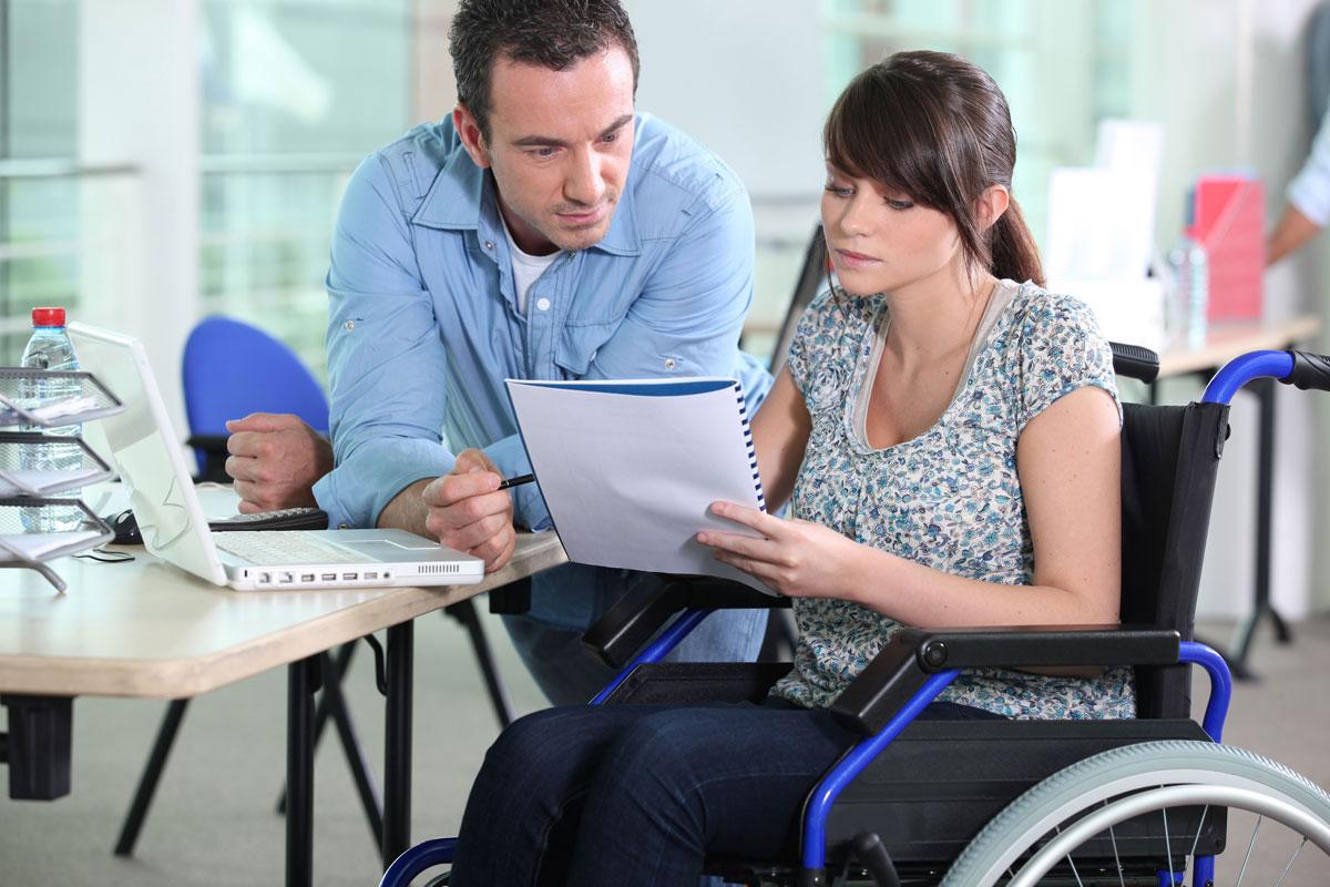 Навчаємо громадян з інвалідністю аби вони мали роботу