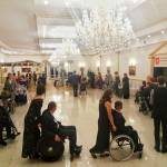 Світлина. На Івано-Франківщині відбувся осінній бал для людей з обмеженими фізичними можливостями. Новини, інвалідний візок, обмеженими фізичними можливостями, танець, Івано-Франківщина, Мальтійський приятельський бал