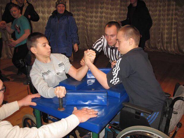 На Житомирщині відбувся чемпіонат області з армспорту серед осіб з інвалідністю. житомирщина, армспорт, змагання, чемпіонат області, інвалідність