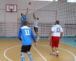 Volleyball for all – у Краматорську провели волейбольний турнір для людей з вадами слуху. volleyball for all, краматорськ, вади слуху, волейбольний турнір, інвалідність, athletic game, sport, person, floor, sports equipment, ball, basketball, playing, indoor, young. A group of young men playing a game on the court