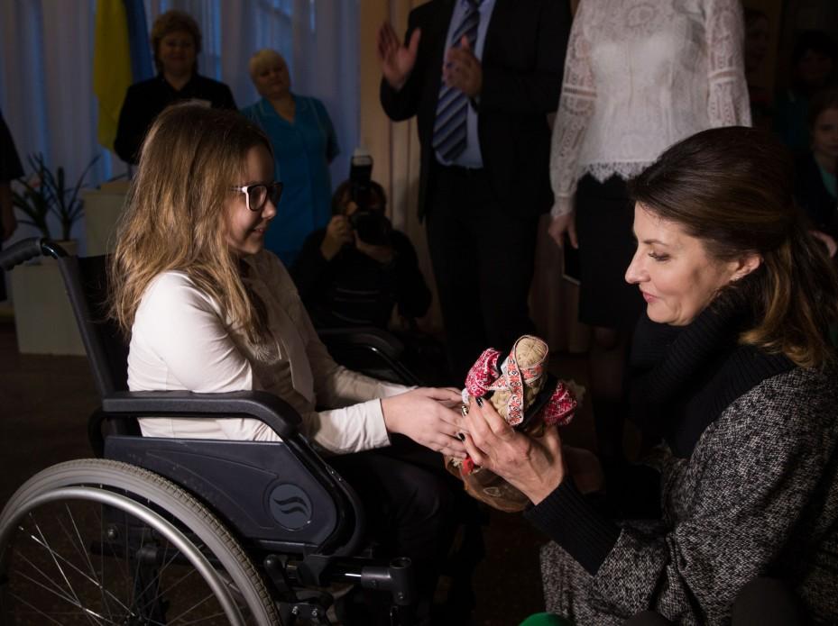 На Чернігівщині Марина Порошенко відкрила перші Медіатеки в інклюзивних школах регіону та реконструйований Центр для дітей з інвалідністю (ФОТО)
