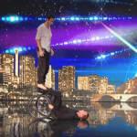 Сльози і овації стоячи. Учасники французького талант-шоу викликали фурор в мережі (ВІДЕО)