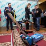 У Запоріжжі Марина Порошенко передала гусеничні сходові підйомники для дев'яти інклюзивних шкіл регіону