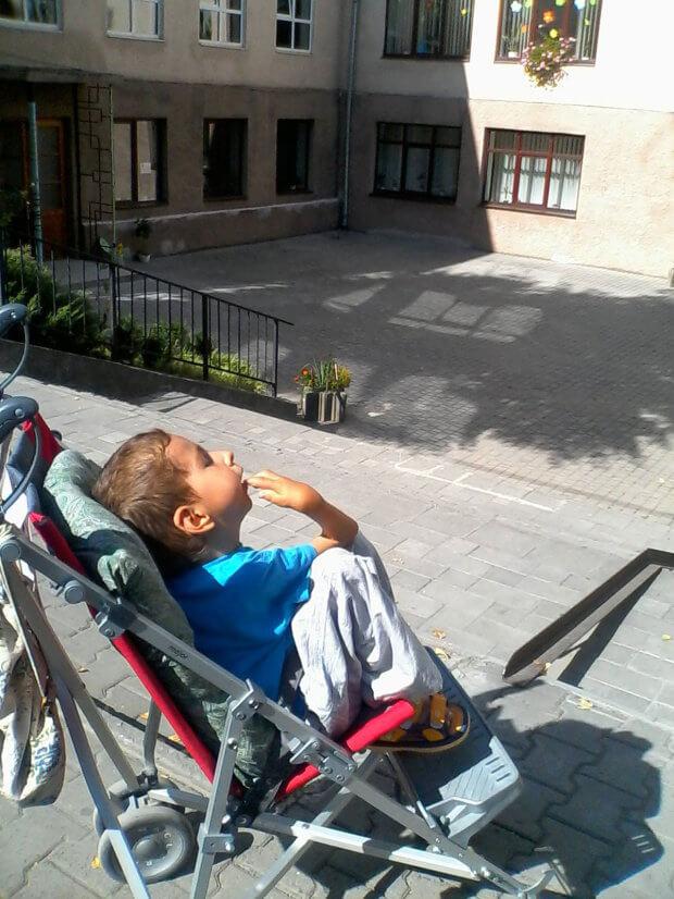 Півасистента, або Інклюзія по-українськи. асистент учителя, особливими освітніми потребами, інвалідність, інклюзивна освіта, інклюзія