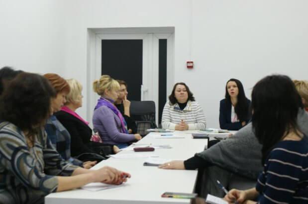 Правозахисники обговорили ситуацію навколо порушення прав людей із інвалідністю у Дніпрі. дніпро, круглий стіл, правозахисник, працевлаштування, інвалідність