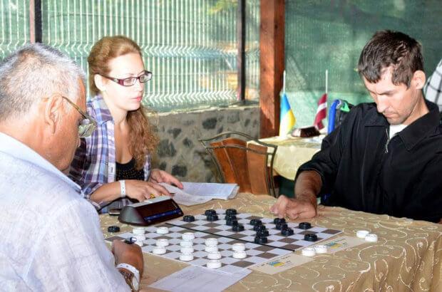 «Чого слину пускаєш?» — казали хворому на ДЦП, а він… став чемпіоном світу!. дцп, сашко гонгальський, чемпіон світу, шашки, інвалідність