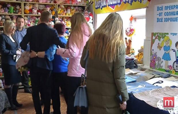 В Мариуполе открылась социальная швейная мастерская. мариуполь, волонтер, инвалидность, самореалізація, швейная мастерская добродел